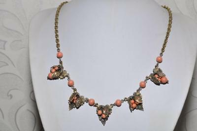 Lovely Vintage Art Deco Necklace With Coral Glass Beads