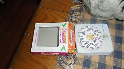 dunkin donuts glass holiday ornament. 2007