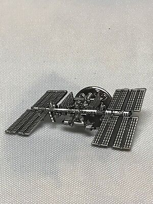 NASA Lapel Pin Original International Space Station ISS Official Edition NEW