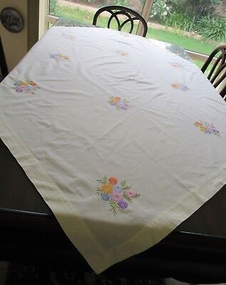 Vintage pale yellow SQUARE TABLECLOTH w/clusters of handworked embroidery flower