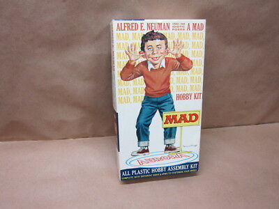 Vintage Aurora MAD Magazine Alfred E Newman Strikes Idiotic Poses figure - doll