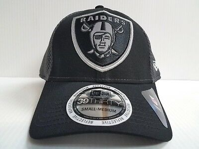 8d85a51f91cd56 Oakland Raiders Cap New Era 39Thirty Stretch Fit Fitted Megaflect Hat