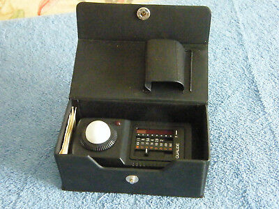 Vintage QUALIDE FLASH METER F-2 In Case, With Instructions