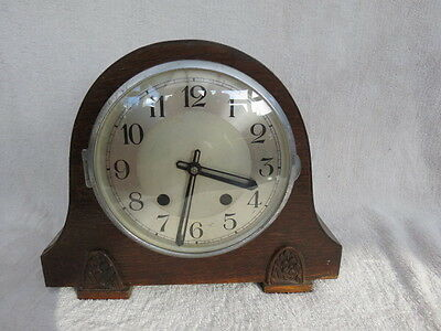 Vintage Striking Ekc Art Deco Mantel Clock For Tlc