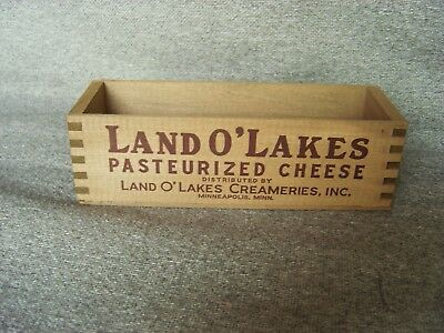 Vintage Primitive LAND O' LAKES Advertising Cheese Box Wood MINNEAPOLIS, MINN.