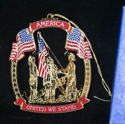 Wallace Silversmiths AMERICA UNITED WE STAND Golden  & enameled Ornament FLAGS