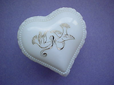 Avon Heartscent Cream Sachet  Empty White Milk Glass Vanity Pot Doves Ring Jar