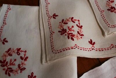 Vintage Off White Linen Tablecloth 48x64 4 Napkins Fab Hand Embroidery Red Pink