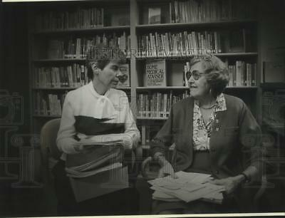 1991 Press Photo Sister Adele Hofschulte of St. Joseph's Hospital, Milwaukee