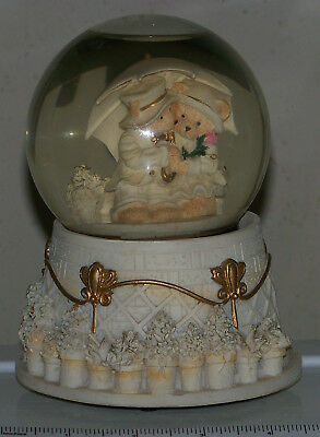 Loving Teddy Bears musical Snow Globe, resin, BROKEN, for parts only.