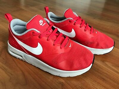 new style 919fe 53243 Boys Girls RED NIKE AIR MAX TAVAS Trainers (uk2.5)  NICE COND