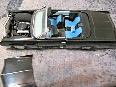 Screw Bottom Amt 3 In 1 1963 Buick Electra Convertible  Model Kit 1/25 1/24
