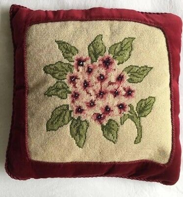 VINTAGE Pretty  RETRO Needlepoint Floral Design Tapestry Cushion Completed