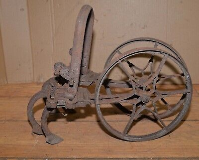 Antique Planet Jr double star wheel garden cultivator collectible old farm tool