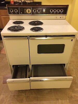 1960s Vintage GE Electric Stove