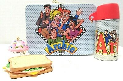 Archie Lunch Box Ornament with Food