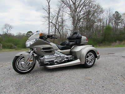2002 Honda Gold Wing  2002  HONDA GOLDWING GL1800 NEW  ROADSMITH HTS1800 TRIKE WITH RUNNING BOARDS
