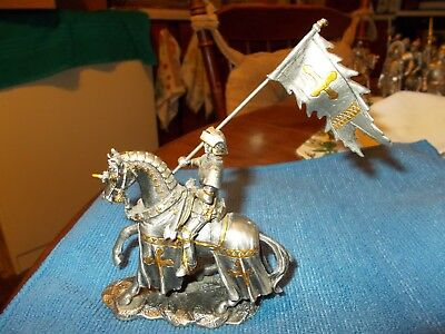 """Veronese Pewter Knight on Horse w/Gold Inlay & Flag 4"""" x 4"""""""