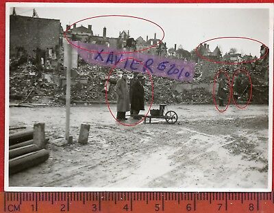 photo orig all VITRY FRANCOIS PRISONNIERS? CIVILS? MARNE   FRANCE 1940 ww2O32