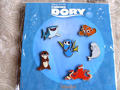 Disney * FINDING DORY * New in Pack 6 Pin Booster Set - Nemo Bruce etc