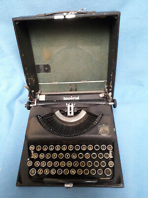 Vintage Imperial 'The Good Companion' Model T Typewriter in Original Case.