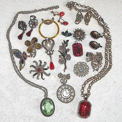 misc lot 22 pcs costume jewelry necklaces pins earrings  etc some signed pieces