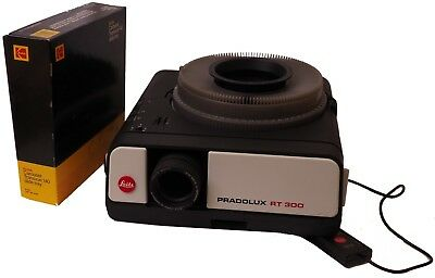 Leitz Pradolux rt-300 Slide Projector with Remote & Slide Tray