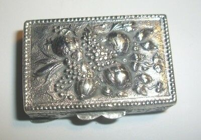 Vintage Coppini & Co Italy 800 Silver Repousse Pill Dresser Box Fruit & Grapes