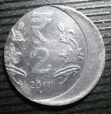 India Two Rupee 2011 Mistrike Die Shift Coin Error  .  Mb1