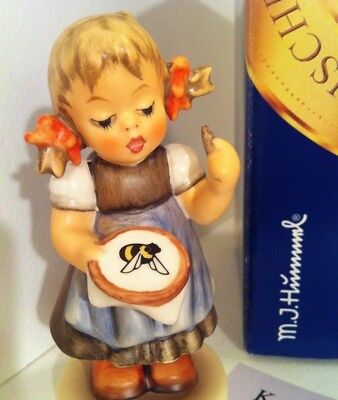 RARE • LITTLE SEAMSTRESS Sewing MINT ONLY 25,000 MADE Hummel Porcelain Figurine