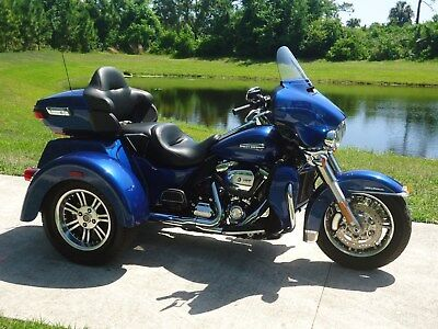 2017 Harley-Davidson Touring  2017 Harley Triglide only 2K miles and like new !!!