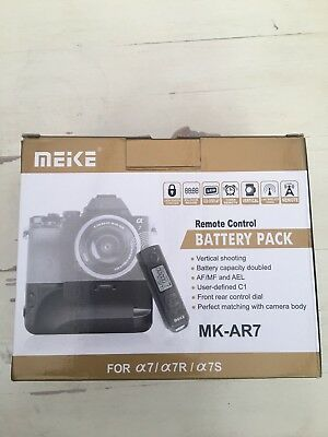 Meike MK-AR7 Remote Battery Grip Pack for Sony A7, A7R & A7S