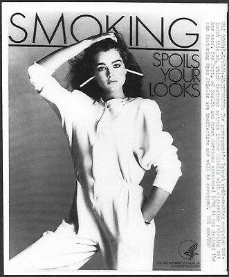 ~ Brooke Shields 1981 Original Stamped Press Photo Anti-Smoking Campaign