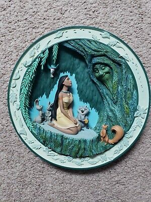 Disney 3D Hanging collectors Plate POCAHONTAS Grandmother Willow limited ed.