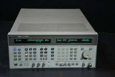 HP Agilent Keysight 8644A Synthesized Signal Generator (0.26-2060MHz)