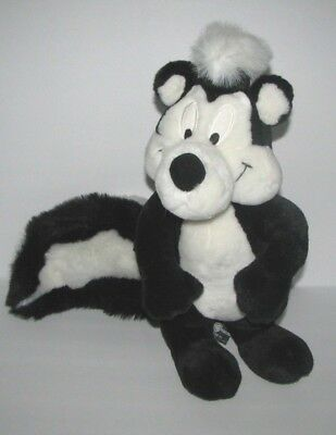 Warner Bros Pepe Le Pew 1995 Plush Stuffed Animal Skunk Looney Tunes WB