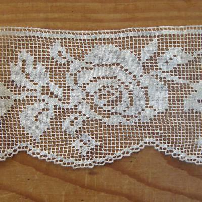 X41 - Antique Lace Length - Rose Motif - Hand-Knotted? - Dentelle Ancienne
