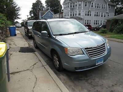 2008 Chrysler Town & Country Van TOURING MODEL, EXCELLENT CONDITION, EVERY OPTION NEEDED FOR A FAMILY