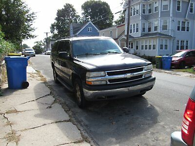 2001 Chevrolet Suburban SUV, 4 DOOR 2001 CHEVROLET SUBURBAN BLACK EXT,LEATHER SEATS, STRONG, STARTS UP IMMEDIATELY
