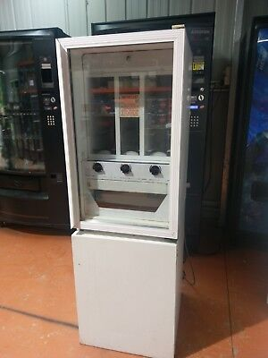 $2 RP drink vending machine 3 selection