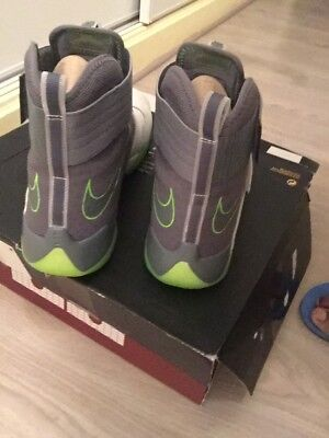 chaussures nike lebron james homme taille 48