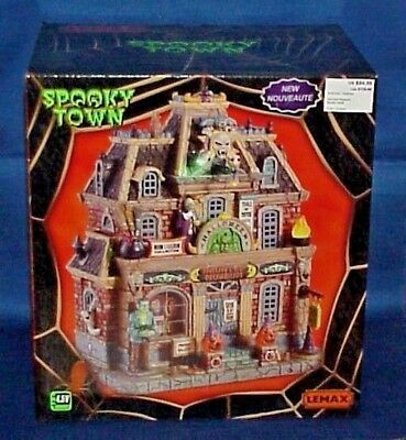Lemax Spooky Town Haunted Museum- Halloween - 2018 Exclusive -Lighted- Brand New