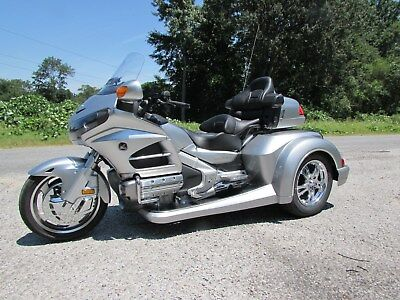 2015 Honda Gold Wing  2015 HONDA GOLDWING GL1800 NEW  ROADSMITH HTS1800 TRIKE WITH RUNNING BOARDS