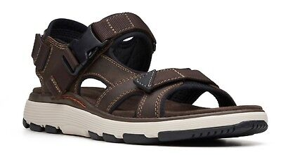 2572522cfaf6 Clarks 26132629 Men s Un Trek Bar Olive Nubuck Active Sport Sandals W   OrthoLite