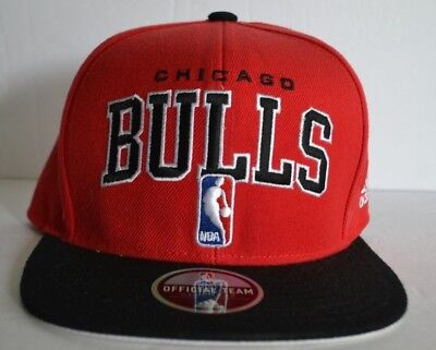 low priced 0491d 237bc adidas Chicago Bulls NBA Flat Bill Snapback Official Draft Baseball Cap Hat  Red