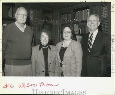 1992 Press Photo Tom and Ann Akers, Sylvia Metzinger, Phil Leinbach at library