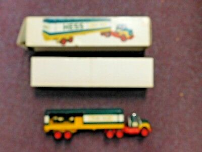 1976 HESS TOY BOX TRAILER TRUCK With 3 BARRELS & Box