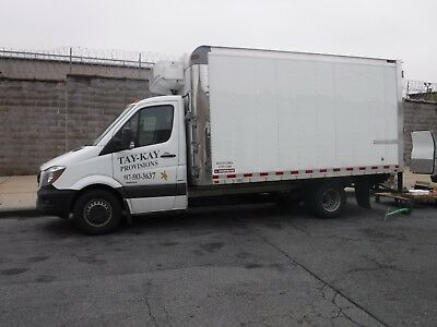 Refrigerated truck 14ft box on sprinter chassis 2015
