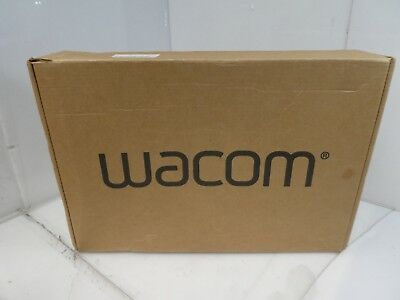 Wacom uPTH451 Small Intuos Pro Pen & Touch Tablet