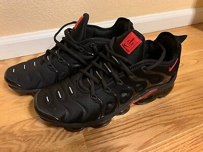 online retailer f2bb7 5a084 NIKE AIR VAPORMAX PLUS -- BLACK and RED MENS